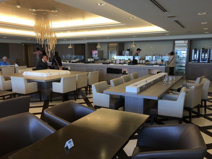 jal sakura lounge osaka dining room 700x525 - JAL Sakura Lounge Osaka KIX review