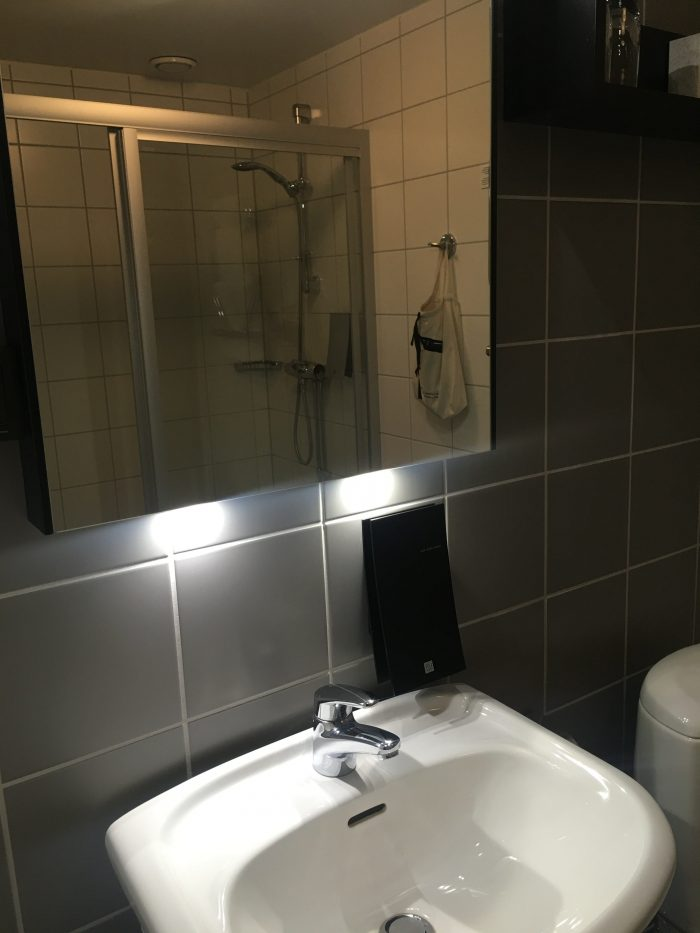 clarion-collection-hotel-odin-gothenburg-bathroom
