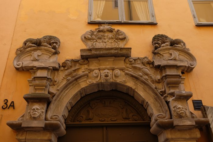 architectural details stockholm 700x467 - A photo walk through Gamla Stan, Stockholm's Old Town