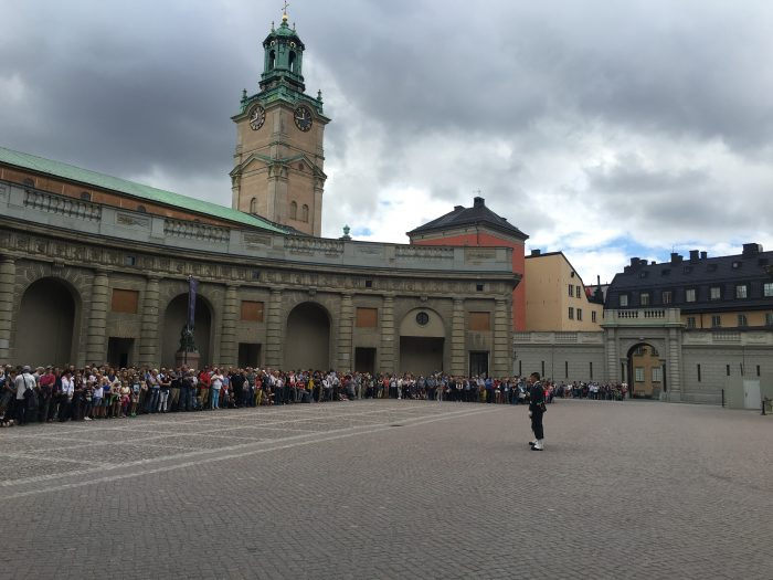 changing-of-the-guard-stockholm-crowd