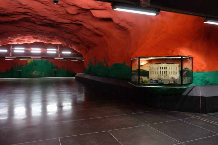 solna centrum dioramas 700x467 - Exploring the underground art of Stockholm's Metro system
