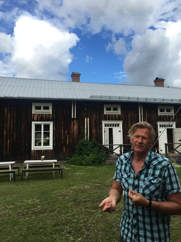 bengt erik hesse 700x933 - A relaxing visit to Tjarn farmstead in Vasterbotten, Sweden