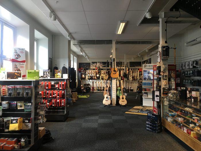 guitar museum shop umea 700x525 - A photo walk & museum visits in Umeå, Sweden