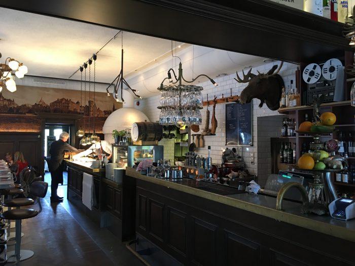 rex bar umea 700x525 - The best craft beer in Umeå, Sweden