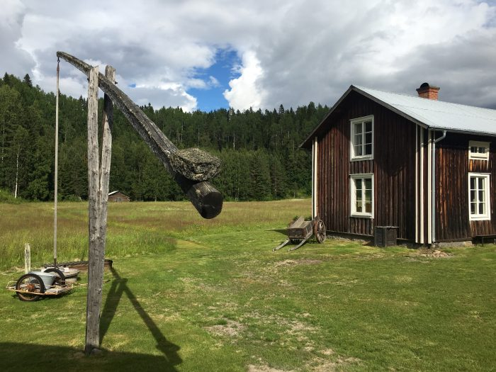 tjarn farmhouse well 700x525 - A relaxing visit to Tjarn farmstead in Vasterbotten, Sweden
