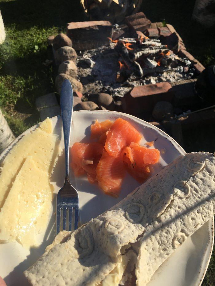 tjarn fire meals 700x933 - A relaxing visit to Tjarn farmstead in Vasterbotten, Sweden