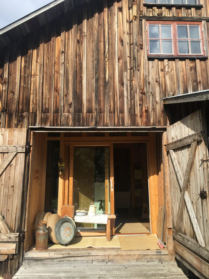 tjarn retreat 700x933 - A relaxing visit to Tjarn farmstead in Vasterbotten, Sweden
