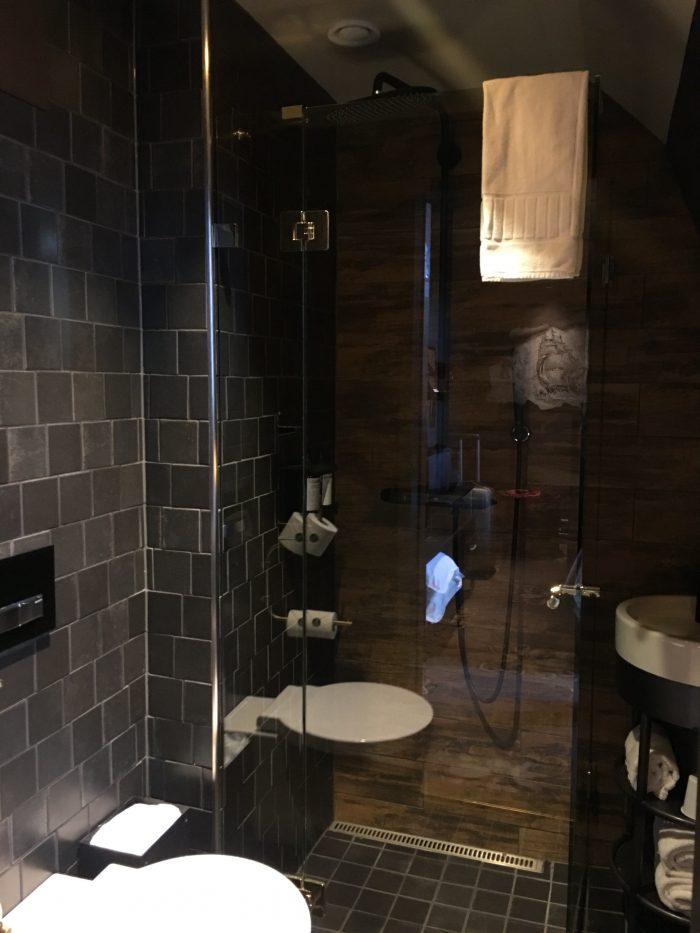 stora hotellet umea bathroom 700x933 - Stora Hotellet Umeå, Sweden review