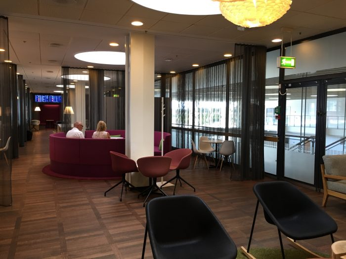 aspire lounge copenhagen cph seats 700x525 - Aspire Lounge Copenhagen CPH Airport review