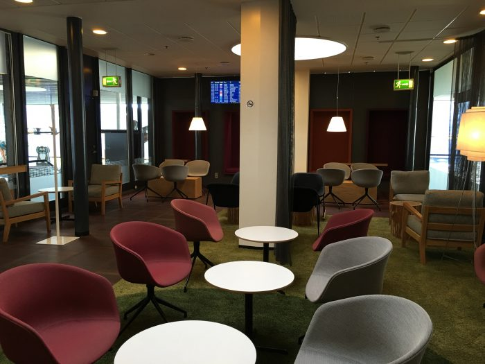 aspire lounge copenhagen seats 700x525 - Aspire Lounge Copenhagen CPH Airport review