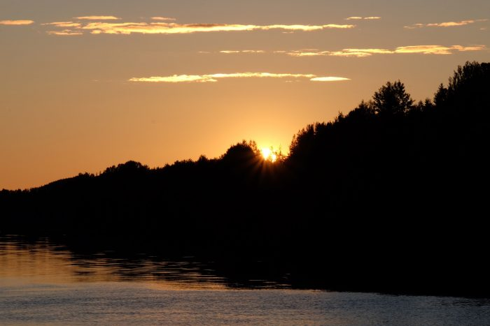 grano beckasin sunset 700x467 - Sleeping in a treehouse at Granö Beckasin in Granö, Sweden