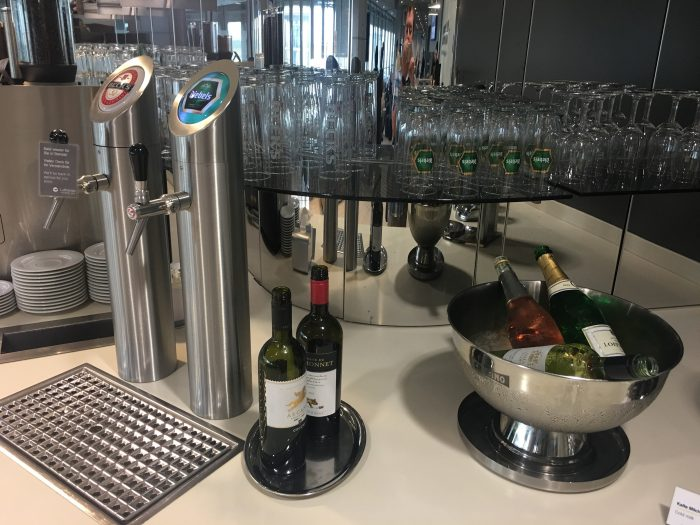 lufthansa business lounge dusseldorf beer wine 700x525 - Lufthansa Business Lounge Dusseldorf DUS Airport review