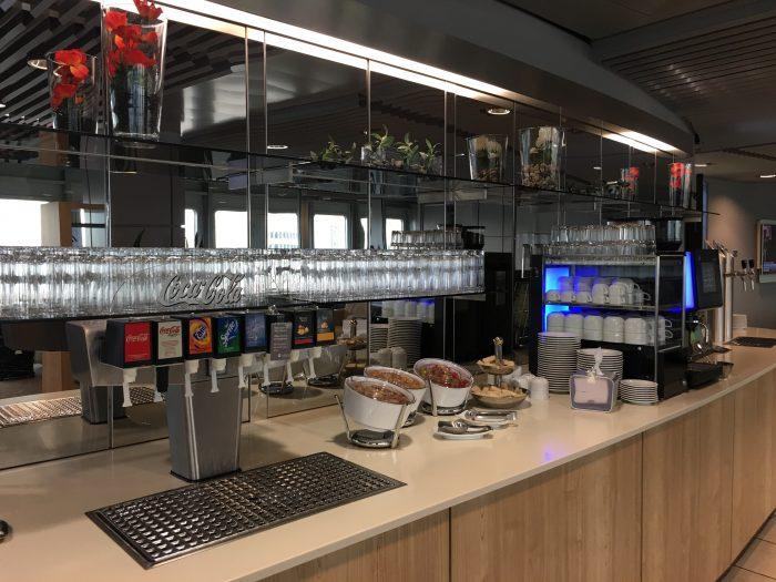 lufthansa business lounge dusseldorf drinks 700x525 - Lufthansa Business Lounge Dusseldorf DUS Airport review