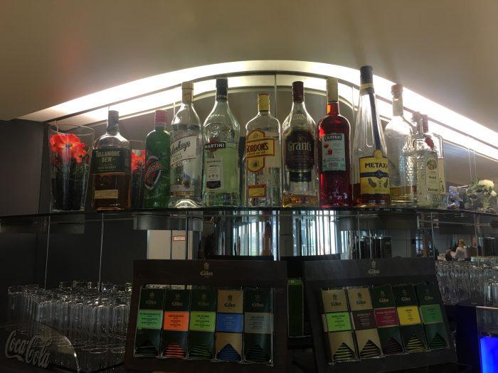 lufthansa business lounge dusseldorf liquor tea 700x525 - Lufthansa Business Lounge Dusseldorf DUS Airport review