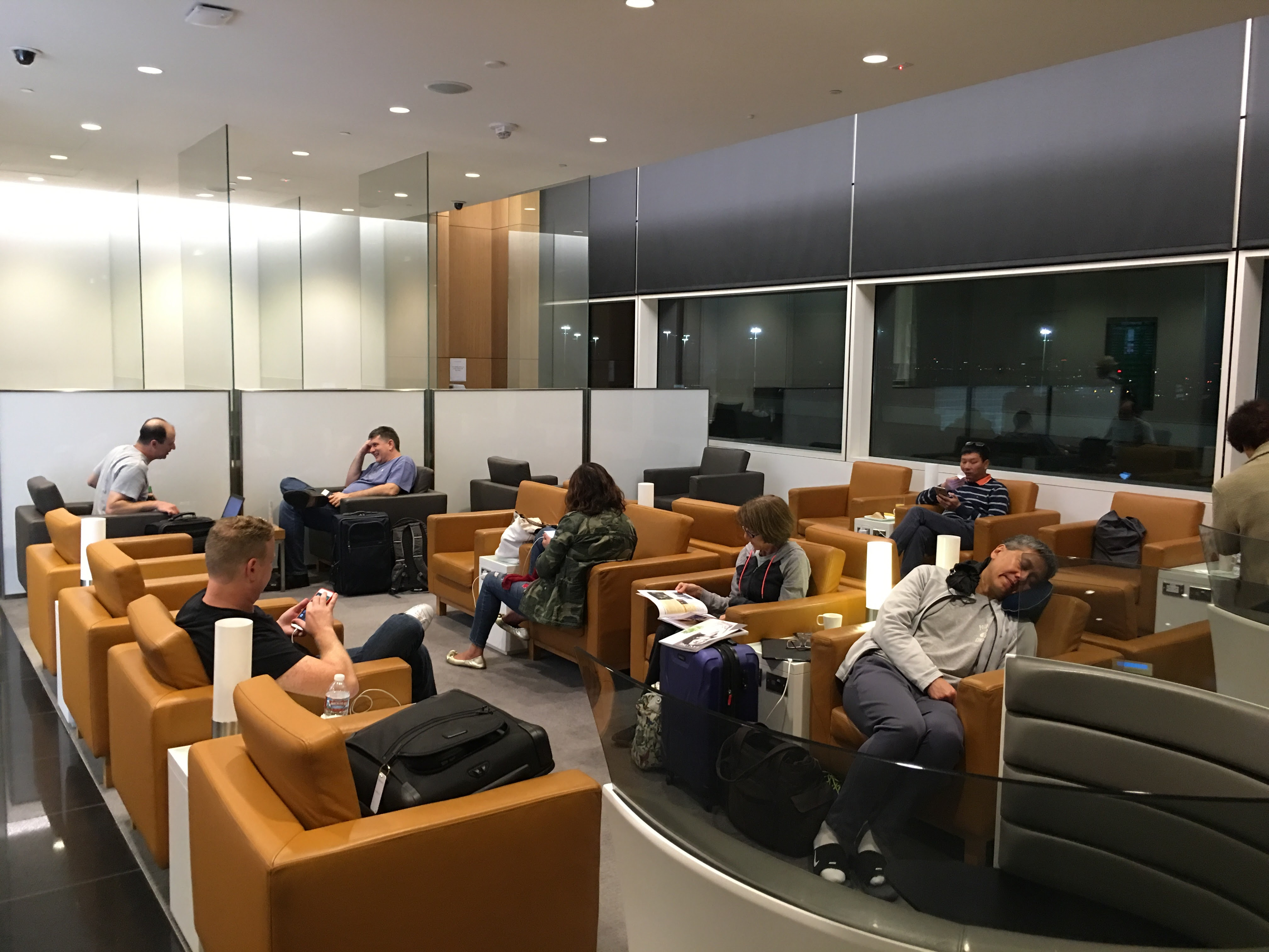 Cathay pacific lounge san francisco sfo review - Cathay pacific head office ...