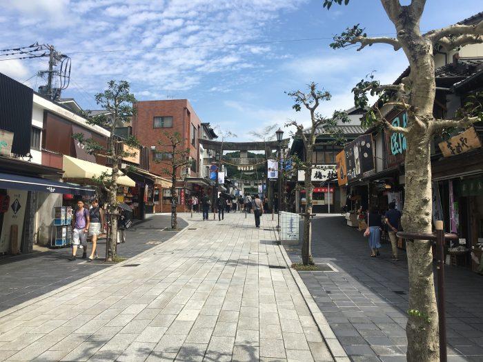 dazaifu main street shops 700x525 - A day trip from Fukuoka to Dazaifu, Japan
