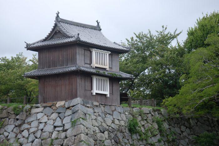 fukuoka castle 700x467 - A walking tour of the parks, shrines, & temples of Fukuoka, Japan