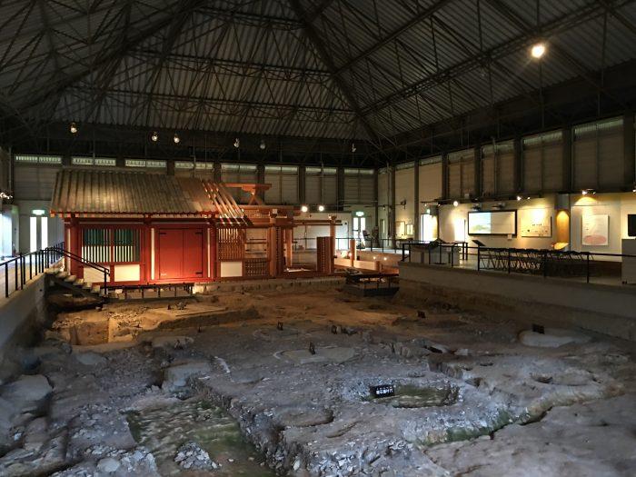 korokan ruin museum fukuoka 700x525 - A walking tour of the parks, shrines, & temples of Fukuoka, Japan