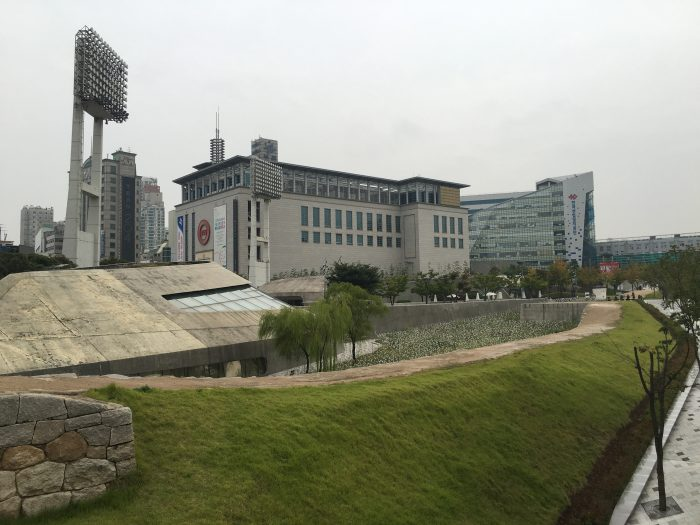dongdaemun history culture park 700x525 - Walking the Seoul City Wall - Heunginjimun Gate Trail section