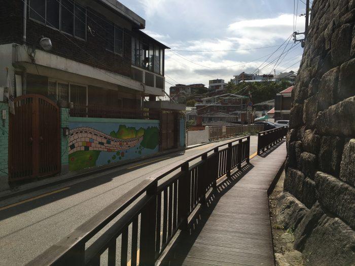 namsan mountain trail neighborhood 700x525 - Walking the Seoul City Wall - Namsan (Mongmyeok) Mountain Trail section