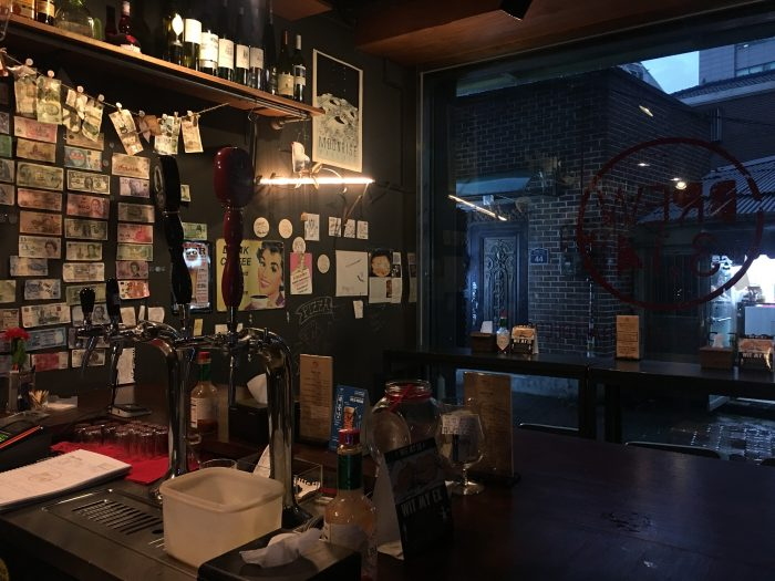 brew 314 seoul 700x525 - 10 great places for craft beer in Seoul, South Korea