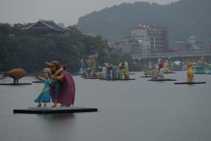 floats river jinju lantern festival 700x467 - Attending the Jinju Lantern Festival in Jinju, South Korea