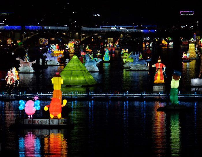 jinju lantern festival 700x545 - Attending the Jinju Lantern Festival in Jinju, South Korea