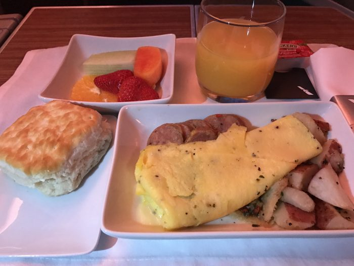 american airlines business class boeing 777 200 los angeles to london heathrow breakfast 700x525 - American Airlines Business Class Boeing 777-200 Los Angeles LAX to London Heathrow LHR review