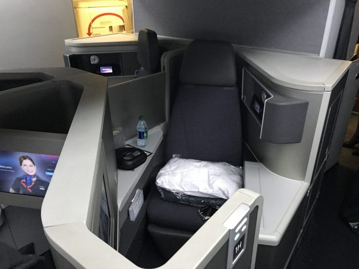 american airlines business class seat zodiac boeing 777 200 los angeles to london heathrow 700x525 - American Airlines Business Class Boeing 777-200 Los Angeles LAX to London Heathrow LHR review