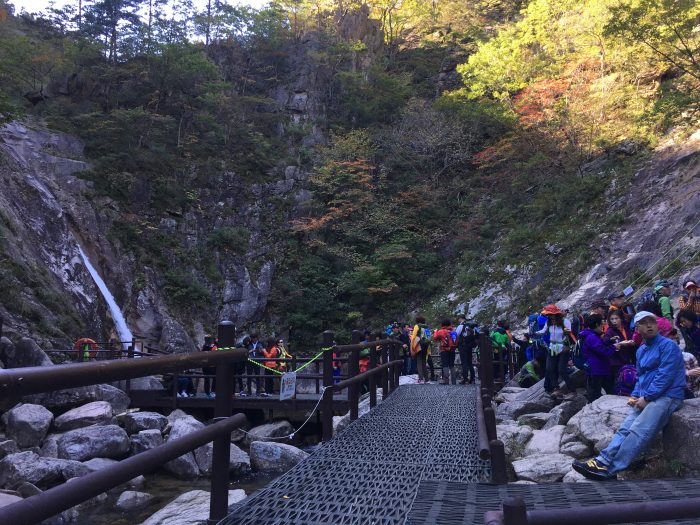 biryong falls viewpoint 700x525 - Hiking in Seoraksan National Park - Biryong, Yukdam, & Towangseong Falls