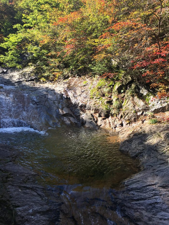 biryong yukdam towangseong falls hike autumn 700x933 - Hiking in Seoraksan National Park - Biryong, Yukdam, & Towangseong Falls