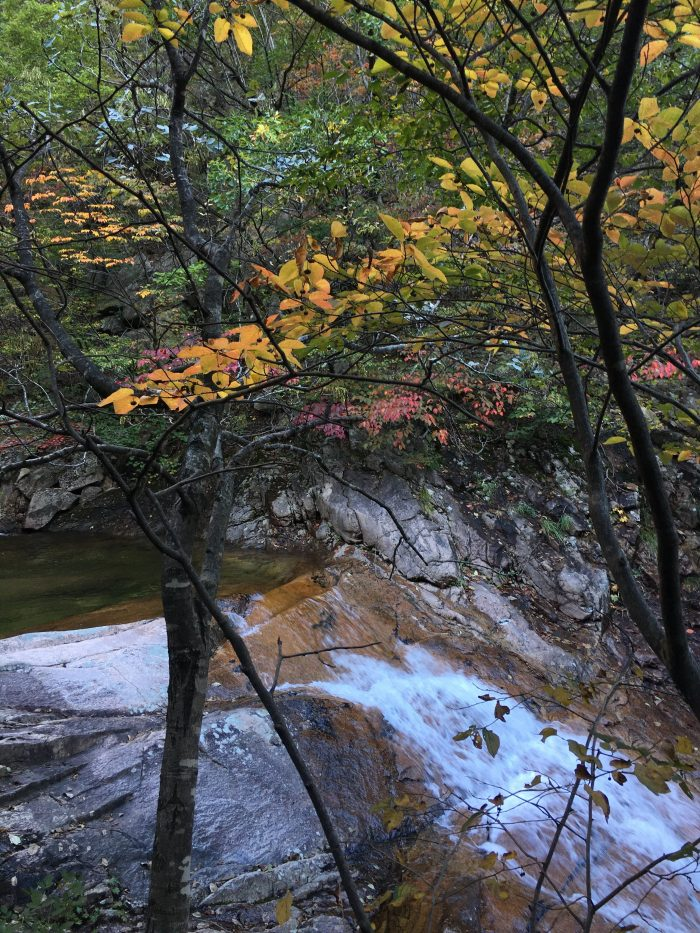 biryong yukdam towangseong falls hike river 700x933 - Hiking in Seoraksan National Park - Biryong, Yukdam, & Towangseong Falls