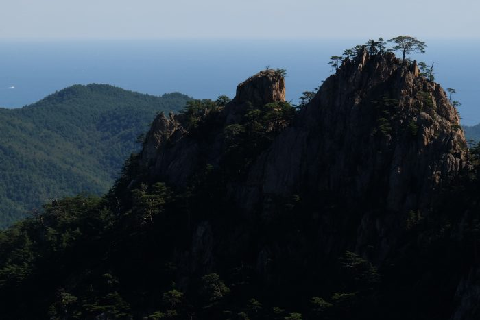 biryong yukdam towangseong falls view 700x467 - Hiking in Seoraksan National Park - Biryong, Yukdam, & Towangseong Falls