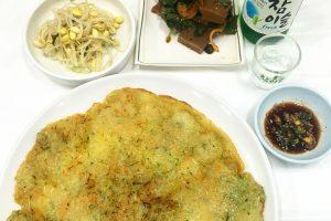 gamja jeon dotorimuk soju 300x200 - Staying & eating near the entrance of Seoraksan National Park in Sokcho, South Korea - Goodstay Smile Resort & Guesthouse