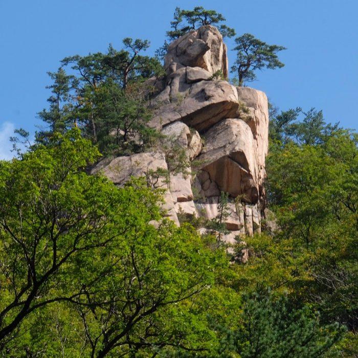gwimyeonam rock 700x700 - Hiking in Seoraksan National Park - Biseondae