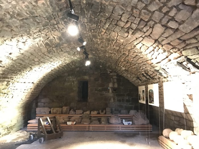 bothwell castle cellar 700x525 - A day trip from Glasgow to Bothwell Castle