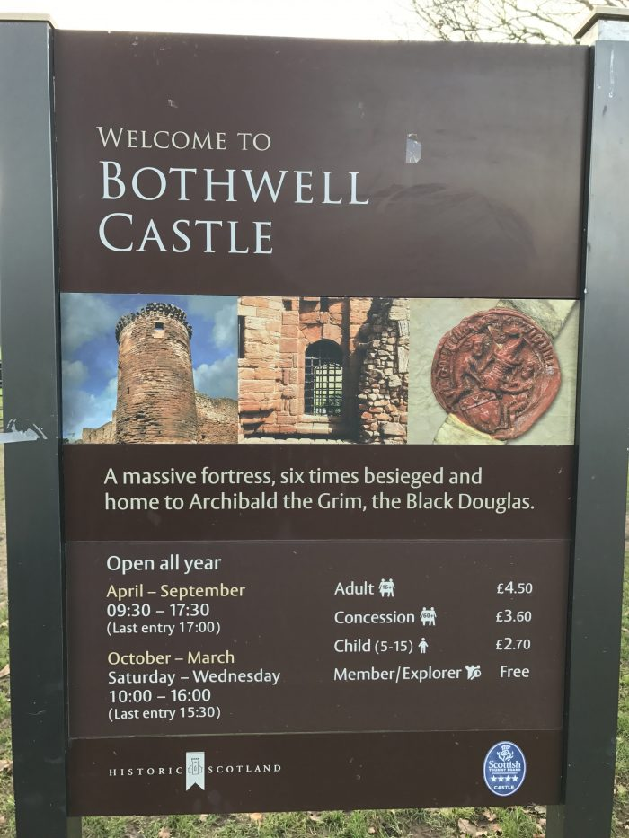 bothwell castle entrance 700x933 - A day trip from Glasgow to Bothwell Castle