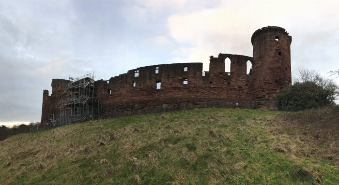 bothwell castle hill 700x383 - A day trip from Glasgow to Bothwell Castle