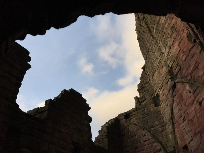 bothwell castle keep 700x525 - A day trip from Glasgow to Bothwell Castle
