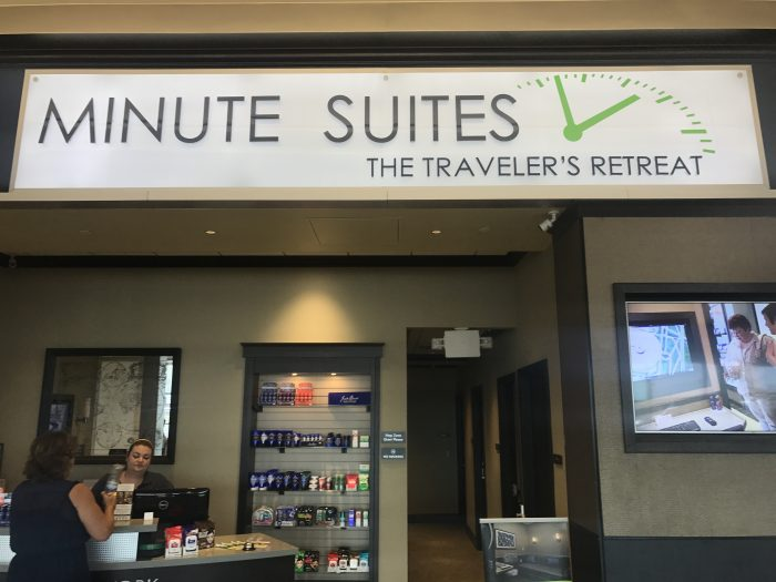 minute suites dallas fort worth dfw 700x525 - Minute Suites Dallas-Fort Worth DFW Terminal A review