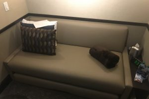 minute suites dallas fort worth dfw terminal a bed couch 300x200 - Minute Suites Dallas-Fort Worth DFW Terminal A review