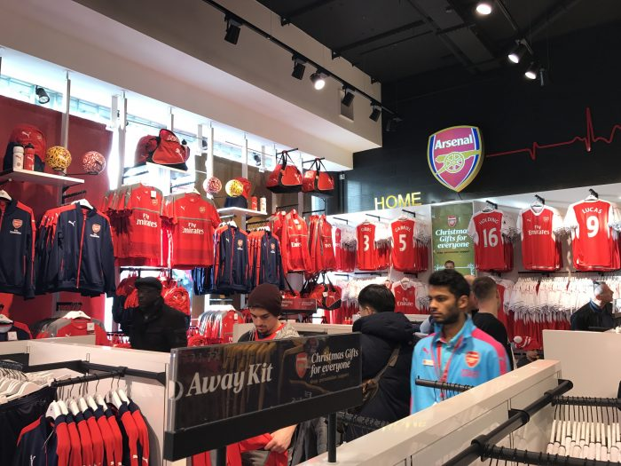 arsenal team shop emirates stadium 700x525 - Attending an Arsenal match at Emirates Stadium