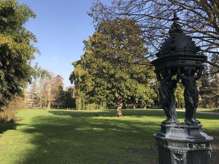 bordeaux public garden 700x525 - A walking tour of historic Bordeaux & The Port of the Moon