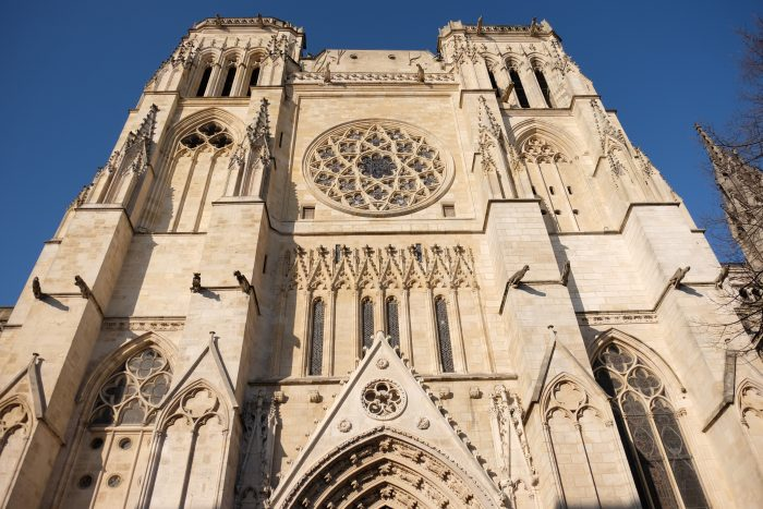 cathedral bordeaux 700x467 - A walking tour of historic Bordeaux & The Port of the Moon