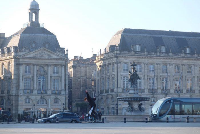 place de la bourse bordeaux 700x467 - A walking tour of historic Bordeaux & The Port of the Moon