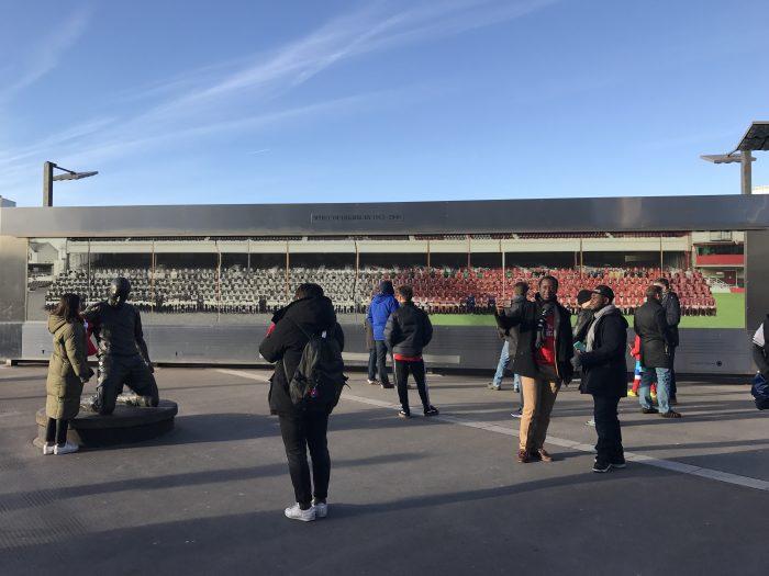 thierry henry statue emirates stadium 700x525 - Attending an Arsenal match at Emirates Stadium