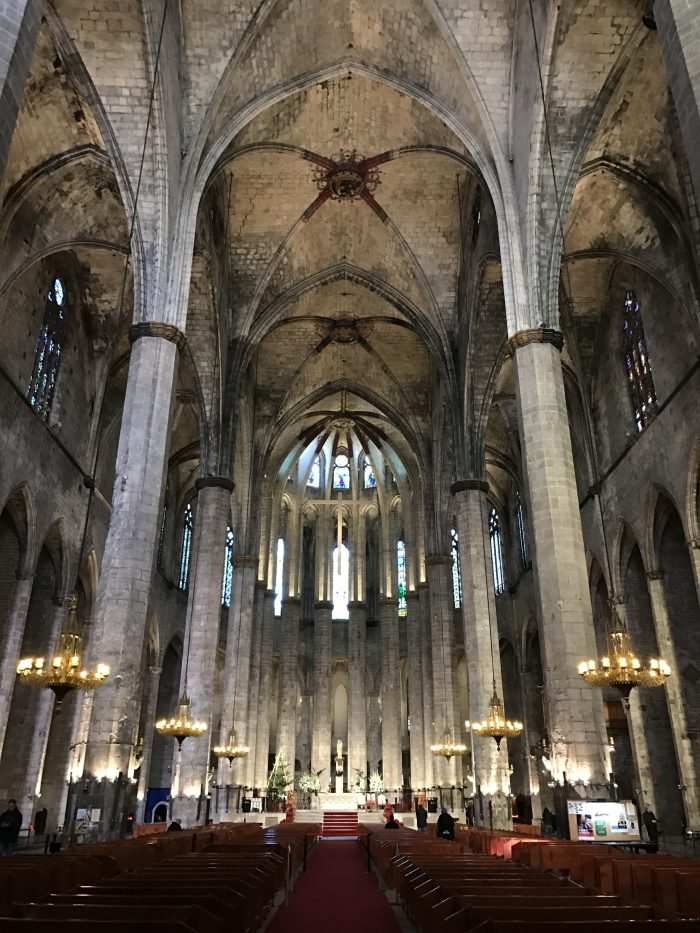 basilica de santa maria del mar barcelona 700x933 - The top 10 things to do in the Gothic Quarter of Barcelona