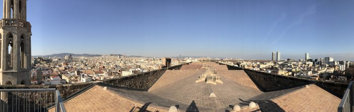 basilica de santa maria del mar roof view 700x222 - The top 10 things to do in the Gothic Quarter of Barcelona