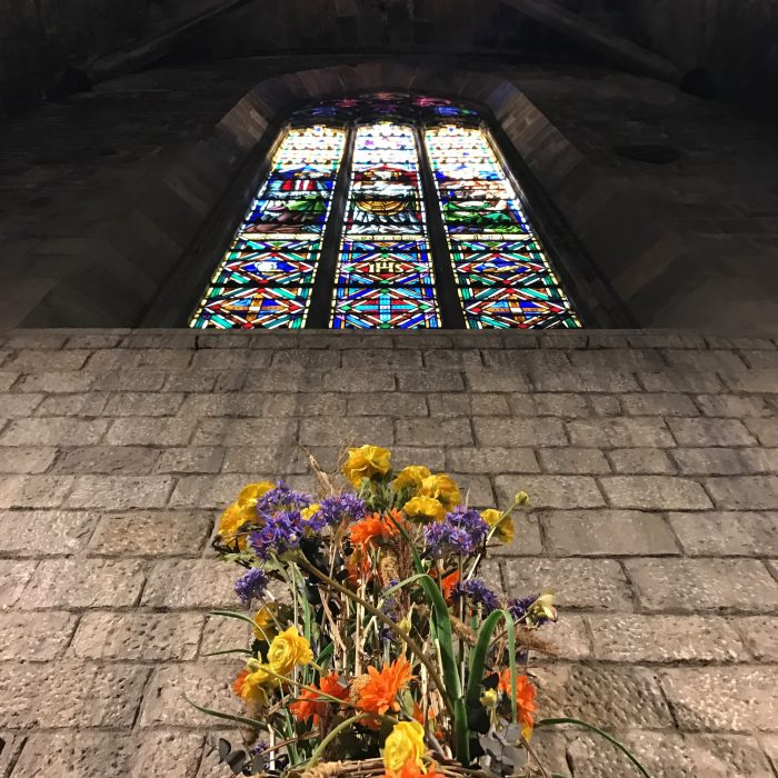 basilica de santa maria del mar stained glass 700x700 - The top 10 things to do in the Gothic Quarter of Barcelona