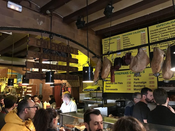 can paixano la xampanyeria 700x525 - The top 10 things to do in the Gothic Quarter of Barcelona